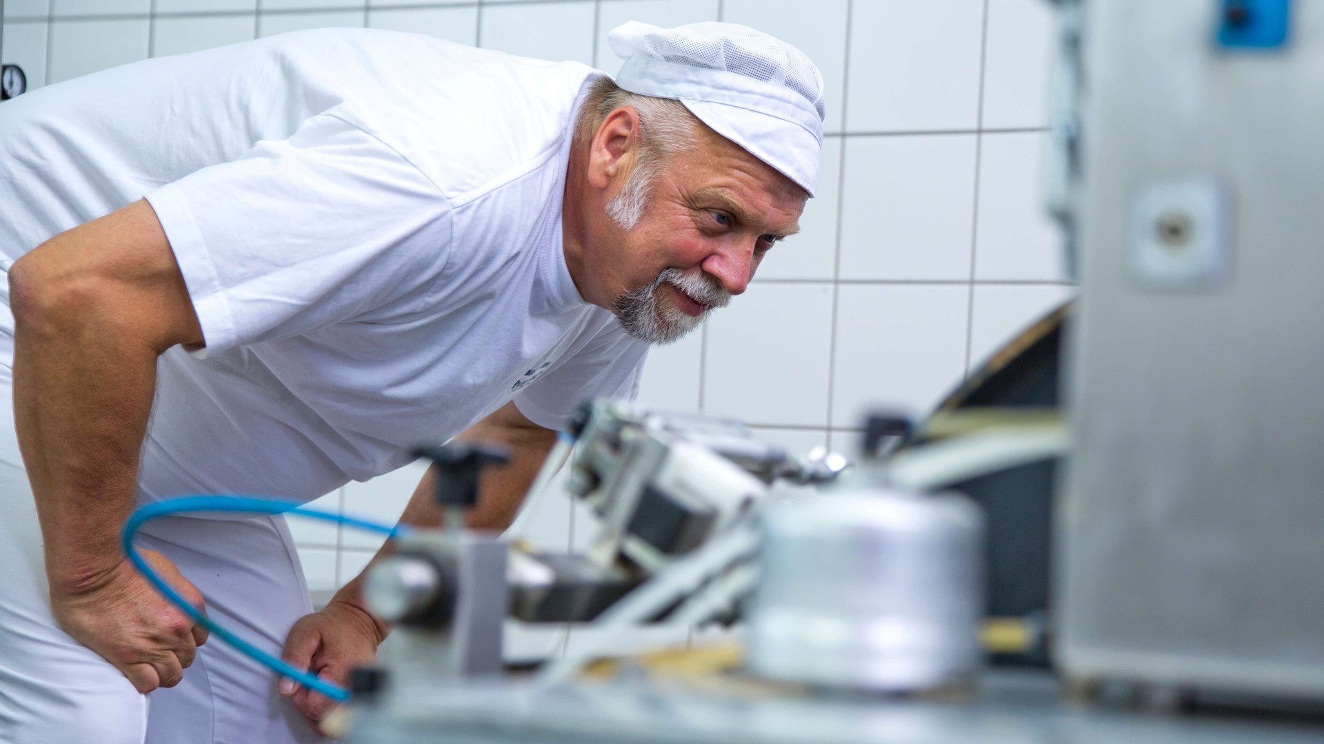 Powdered Emulsifiers For Long Shelf Life Cakes Facilitates Automated Production