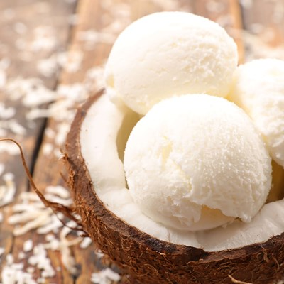 Frozen coconut dessert Made With Palsgaard Extruice